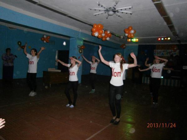 Танцевальная группа «Non stop» Зимогорского СДК